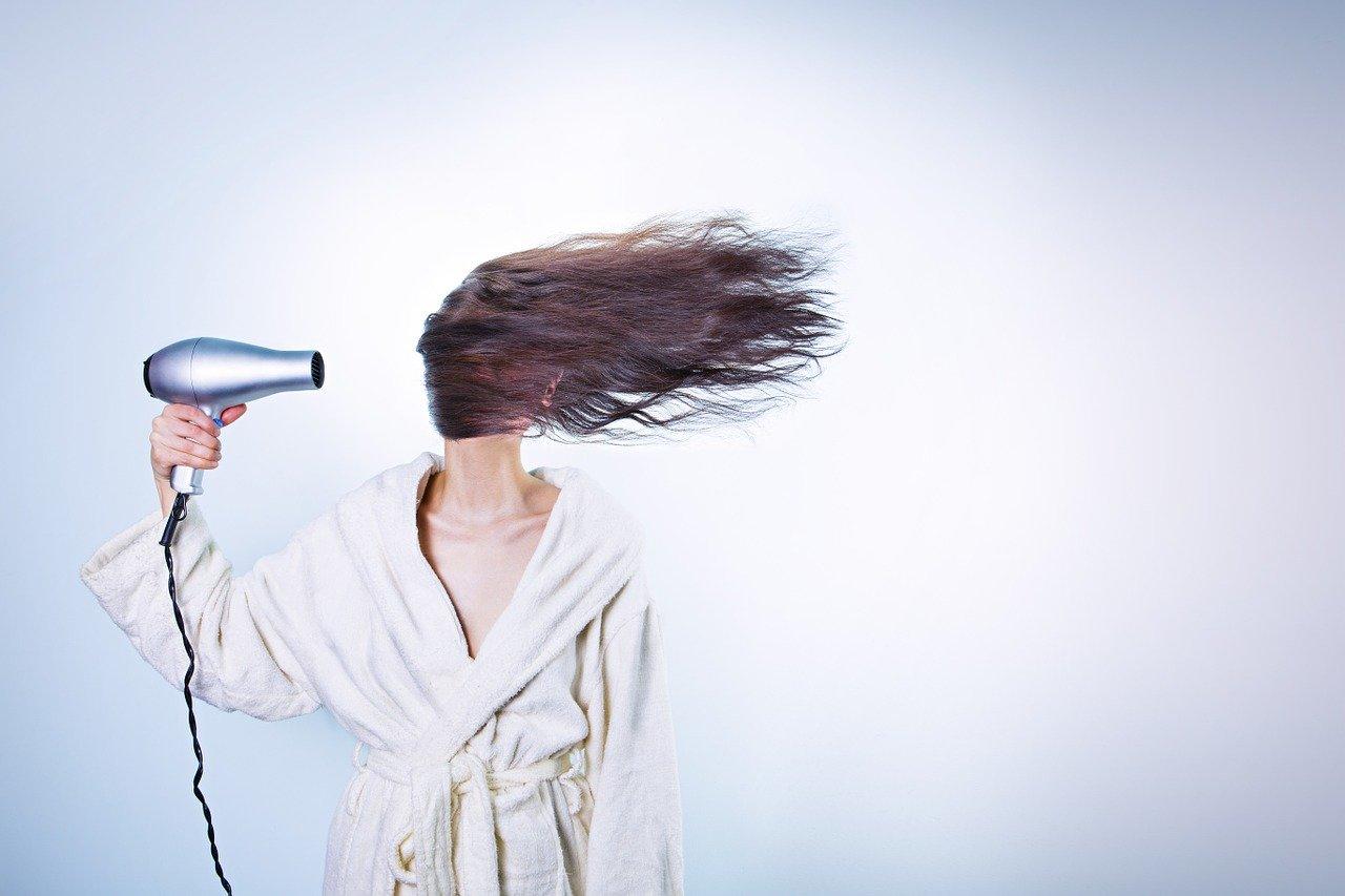 Come avere i capelli lisci in poche mosse