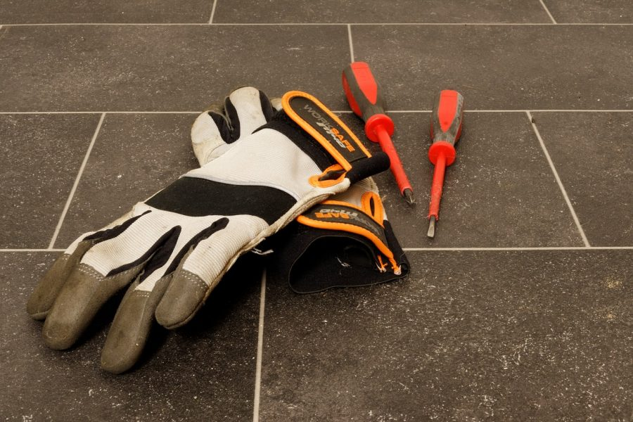 Produzione di guanti di protezione: a chi affidarsi?