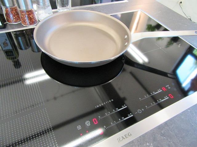 Le cucine a induzione sostituiranno i forni a microonde?