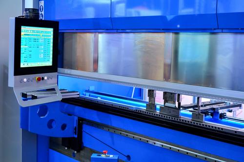 Macchine piegatrici per lamiera manuali: cosa sono